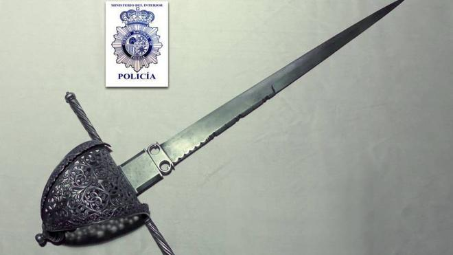 Recuperan una daga de Cervantes que fue robada de una exposición en Salamanca