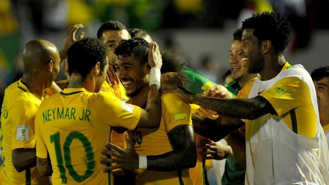 Brasil golea a Uruguay a domicilio y se queda a las puertas del Mundial