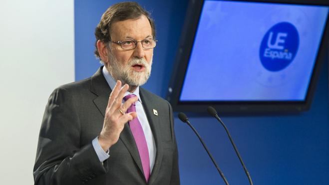 Rajoy agradece a los trabajadores su «contribución a la recuperación económica»