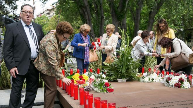 Familiares de las víctimas del Yak-42: «Trillo es un cobarde»