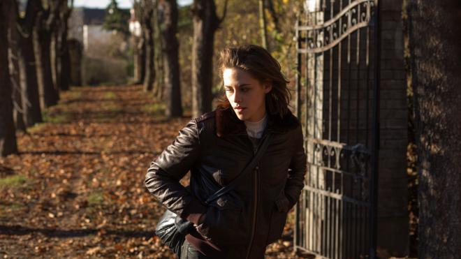 El 'Personal Shopper' de Kristen Stewart y 'El caso Sloane' de Chastain, en cartelera