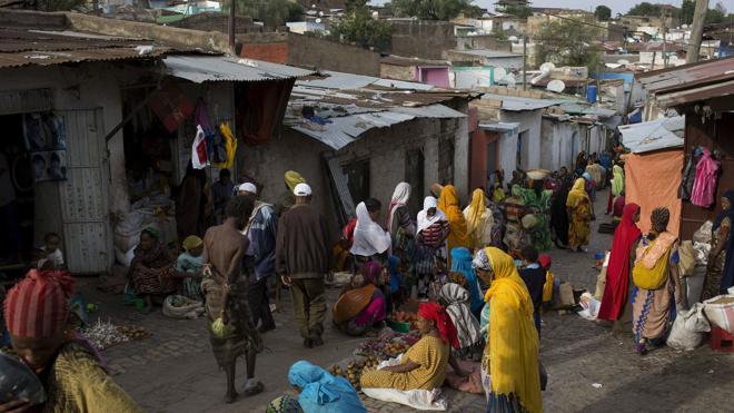 Etiopía suspende las adopciones internacionales