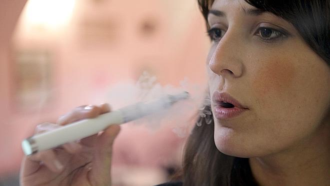 Un cigarrillo electrónico provoca un caso de neumonía lipoidea