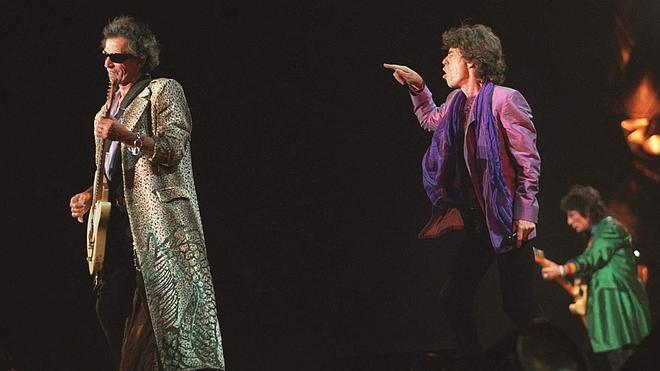 La gira de los Rolling Stones se tambalea por la muerte de la novia de Mick Jagger