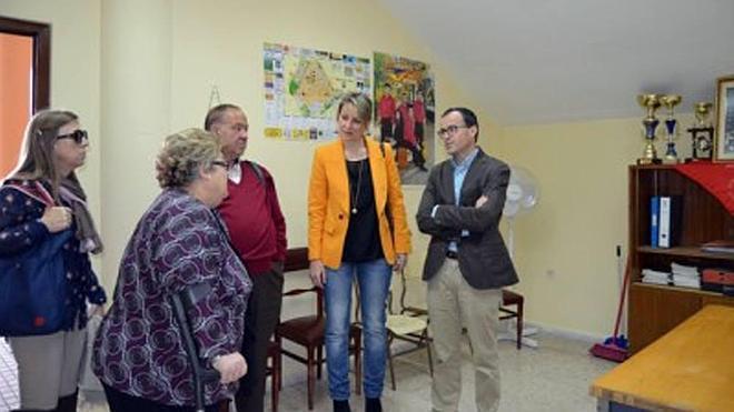 Entregan nuevos locales a la asociación vecinal del barrio del Pilar y a Fadex