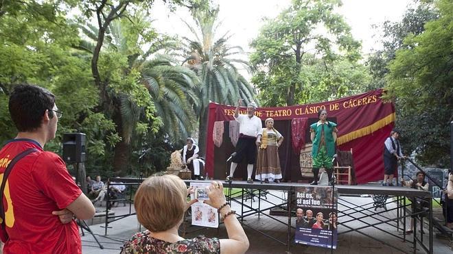 Jazz y entremeses se abren hueco en la agenda del Clásico de Cáceres para hoy