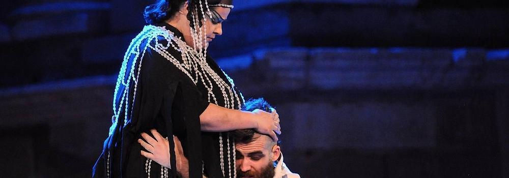 Aquiles y Héctor saldan cuentas en el escenario romano
