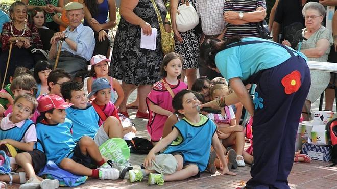 El Paseo de Cánovas celebra hoy 'El día de los abuelos' con actividades lúdicas