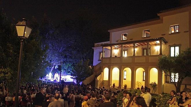 La Nadara Gipsy Band ofrec un concierto en el Museo Pedrilla