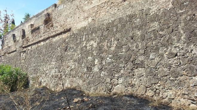 La Asociación Cívica pide a Fragoso explicaciones sobre el incendio en la Alcazaba