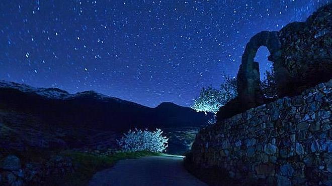 Ermita de la Magdalena, un paraíso de cerezos bajo las estrellas en Tornavacas