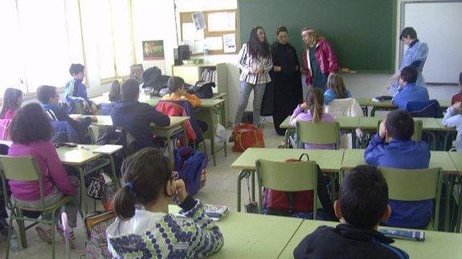 El Consistorio reparte 11.595 euros en 187 becas escolares