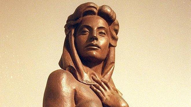 Esculturas del MUBA en el edificio Caja Badajoz S.XXI