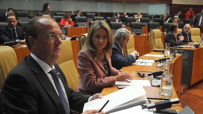 Vara y Monago reeditan su duelo personal a costa del debate de Presupuestos