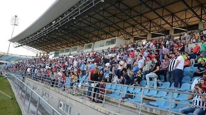 Ya están a la venta las entradas para el derbi entre el Deportivo y el Badajoz