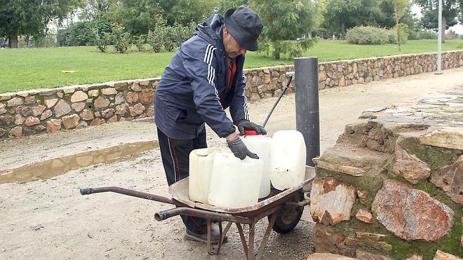 La Junta mediará para solucionar el conflicto del agua en el poblado minero