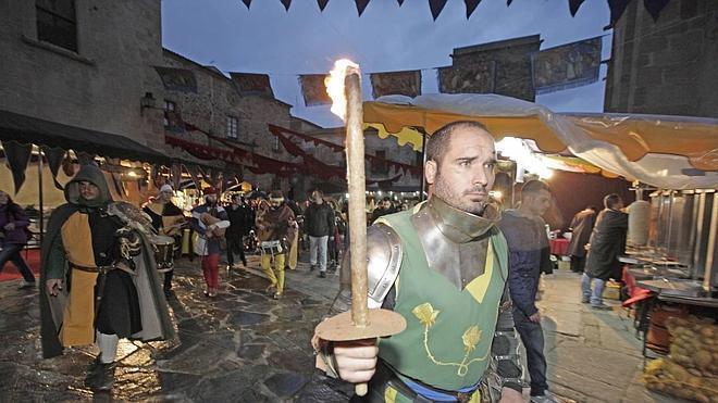El Mercado Medieval mira al cielo