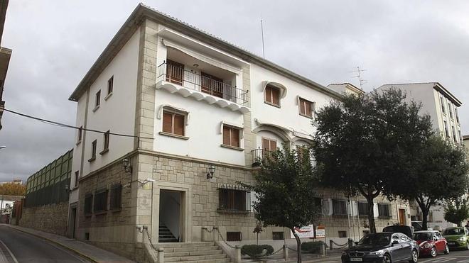 La Junta asegura que la casa presidencial ha supuesto un gasto de casi un millón de euros desde 2007