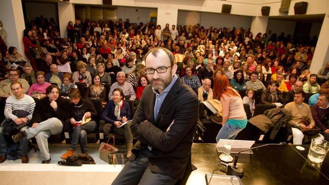 Rafael Santandreu llena Aula HOY