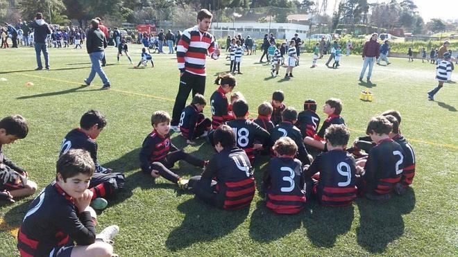 La Escuela del Rugby Badajoz desplaza a 50 niños a Lisboa
