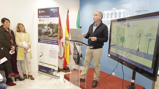 Los jardines de Cáceres se regarán con un sistema de telegestión