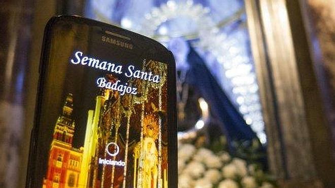 La Semana Santa salta de las calles al móvil
