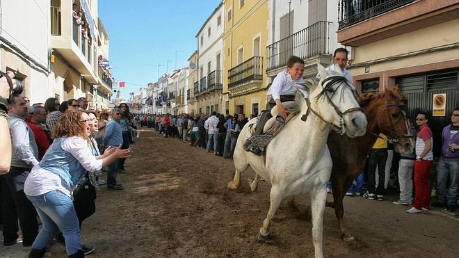 200 efectivos velarán por la seguridad en las carreras de caballos de Arroyo