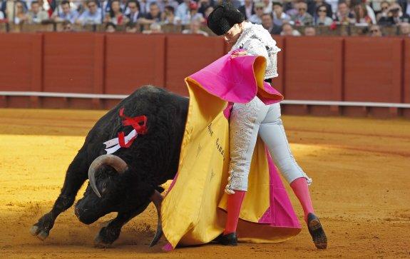 Alternativa de Garrido, torero de emoción
