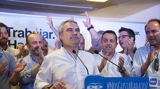 Fragoso gana las elecciones en Badajoz