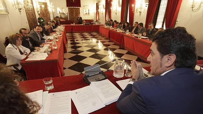 El PSOE obtiene 30 de los 52 escaños de las diputaciones provinciales