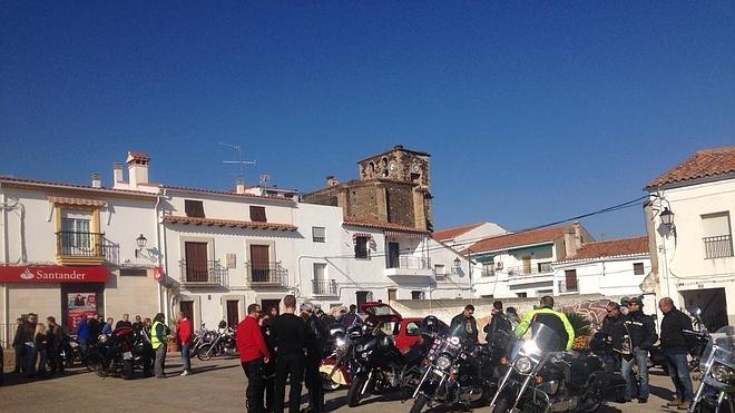 Moteros de Almaraz celebró una convivencia solidaria