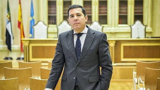 Pedro Nevado presenta tres recursos contra el cierre del Consejo Consultivo