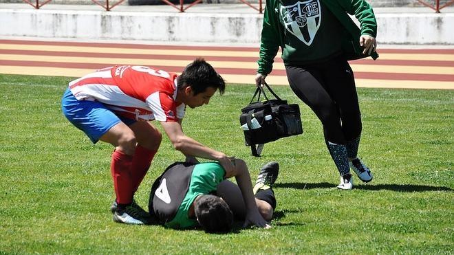 Emilio Pinto se lesiona de gravedad en el Don Benito-Jerez