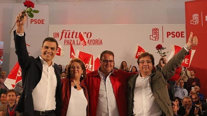 Pedro Sánchez se declara en Mérida «contra la fragmentación de España»