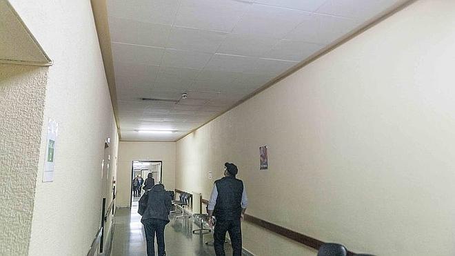 Cáceres quiere que el hospital abra completo, no por fases