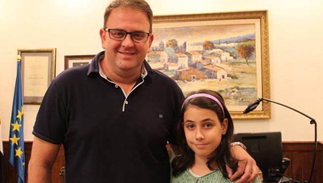 La violonchelista de once años Celia Ruiz tocará con Malikian en el Teatro