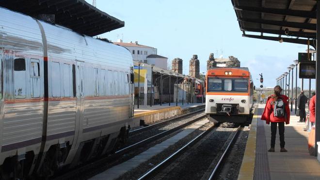 Renfe realizará transbordos por carretera entre Mérida y Don Benito este fin de semana