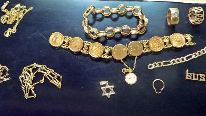 La Guardia Civil detiene a dos mujeres por el robo de joyas valoradas en unos 6.000 euros