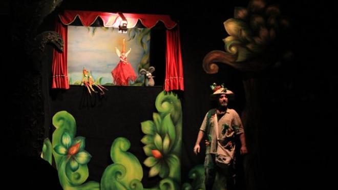 Una campaña medioambiental llena el Teatro de escolares