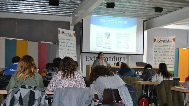 Clausura del 'Curso de Técnicas de Liderazgo y Gestión del Talento' dela FJyD y el Imex