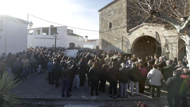 El motorista fallecido en el accidente será enterrado en Santiago del Campo