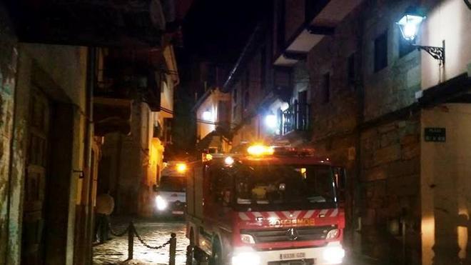 Fallece un joven de 16 años en un incendio en Garganta la Olla
