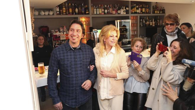 Tita Cervera visita en Cáceres la exposición en torno a su figura