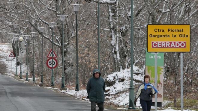 Reabre al tráfico la carretera de Piornal a Garganta la Olla