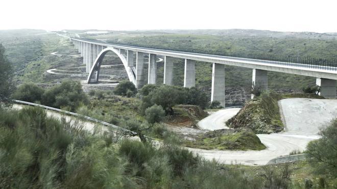 Premio internacional para el viaducto sobre el Almonte
