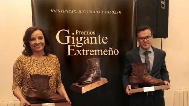 Pepa Bueno y la Diputación, premios 'Gigante extremeño'