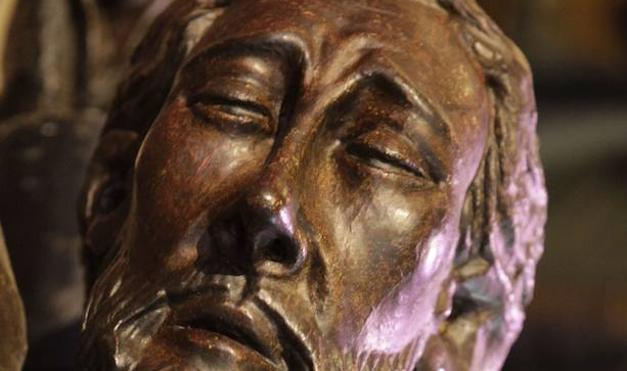 Más misterio para el famoso Cristo Negro de Cáceres