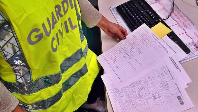 La Guardia Civil investiga a dos protésicos dentales por ejercer como odontólogos en Valverde de Leganés