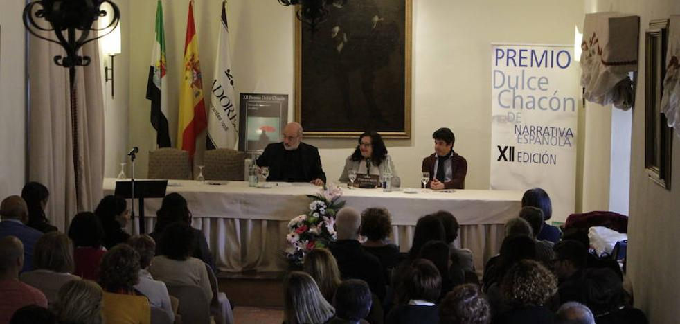 Javier Marías recogerá el Premio Dulce Chacón de Narrativa Española el 15 de diciembre