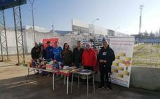 El fútbol recauda alimentos y libros en Zafra